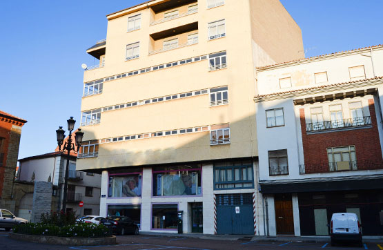 Local en venta en Benavente, Zamora, Plaza San Francisco, 117.045 €, 314 m2
