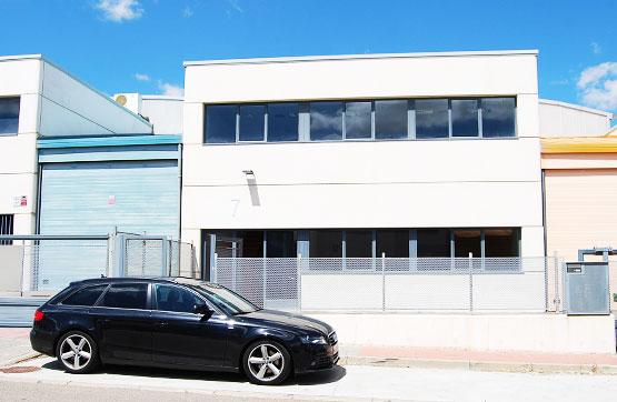 Industrial en venta en Zaratán, Valladolid, Calle Viticultura, 292.500 €, 566 m2