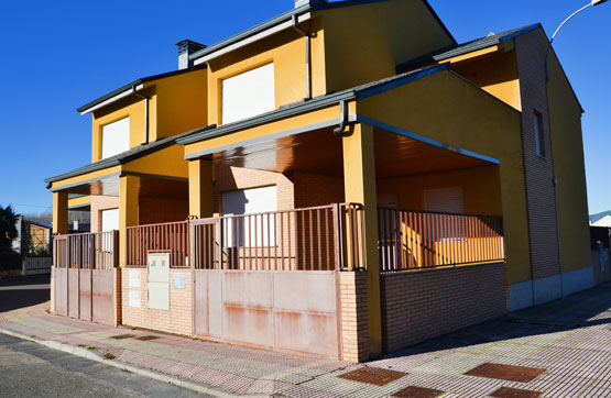 Casa en venta en Bembibre, León, Calle Lago Covadonga, 57.760 €, 3 habitaciones, 2 baños, 161 m2