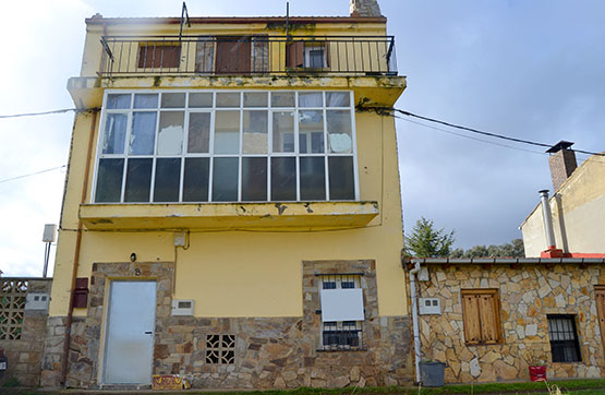 Casa en venta en La Bañeza, León, Calle Campo, 34.200 €, 1 baño, 124 m2