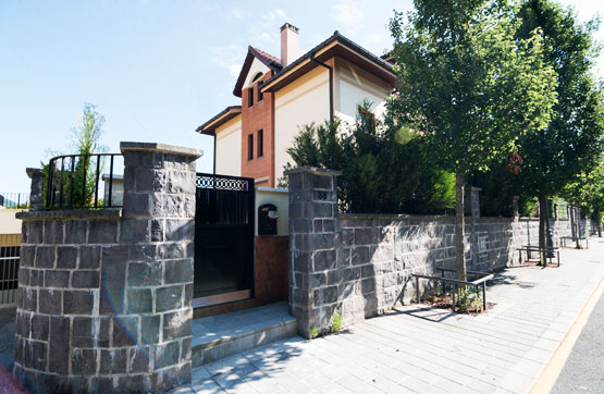 Casa en venta en Irun, Guipúzcoa, Calle Irurzunzar, 554.355 €, 3 habitaciones, 2 baños, 443 m2