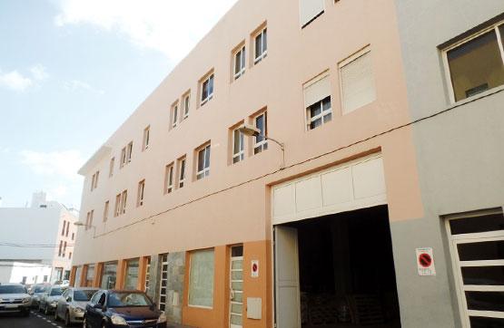 Piso en venta en Tuineje, Las Palmas, Calle Leon Y Castillo, 127.000 €, 2 habitaciones, 1 baño, 68 m2
