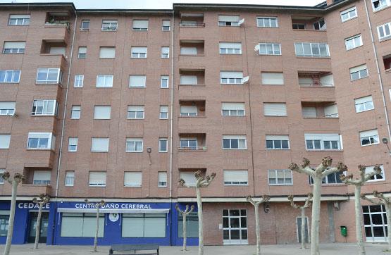 Piso en venta en Compostilla, Ponferrada, León, Plaza Lutero King, 61.600 €, 1 habitación, 1 baño, 88 m2