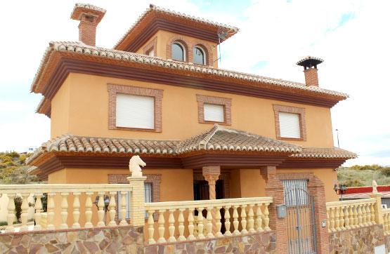 Casa en venta en La Zubia, Granada, Calle Quentar, 378.900 €, 3 habitaciones, 4 baños, 447 m2