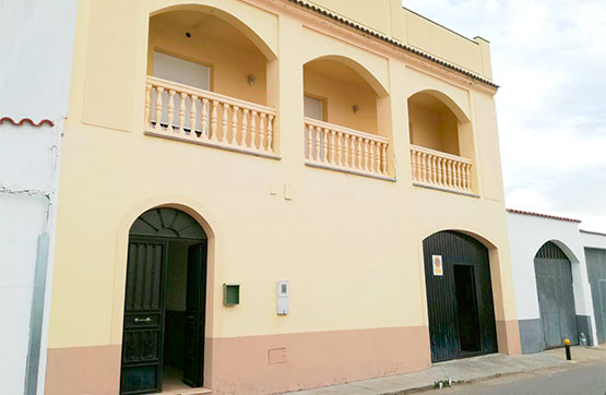 Casa en venta en Guadiana del Caudillo, Badajoz, Calle los Milares, 138.297 €, 4 habitaciones, 2 baños, 329 m2