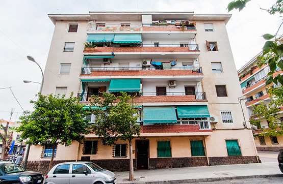 Piso en venta en Alicante/alacant, Alicante, Calle Escritor Valle Inclan, 33.400 €, 3 habitaciones, 1 baño, 85 m2