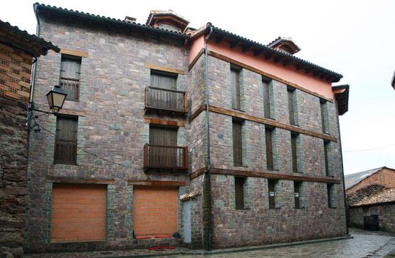 Piso en venta en Laspaúles, Huesca, Plaza Ernesto Gil, 80.500 €, 2 habitaciones, 1 baño, 74 m2