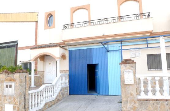 Industrial en venta en Baena, Córdoba, Calle Cancionero de Baena, 266.000 €, 972 m2