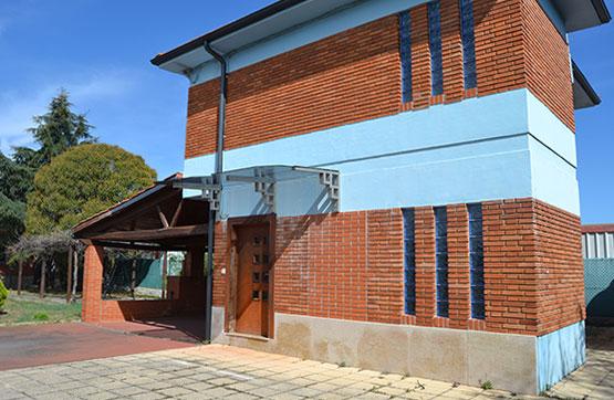 Casa en venta en Puente de Órbigo, Hospital de Órbigo, León, Calle los Guindales, 119.870 €, 3 habitaciones, 2 baños, 95 m2