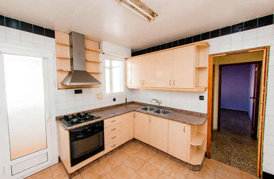 Piso en venta en Piso en Sax, Alicante, 32.200 €, 3 habitaciones, 1 baño, 93 m2