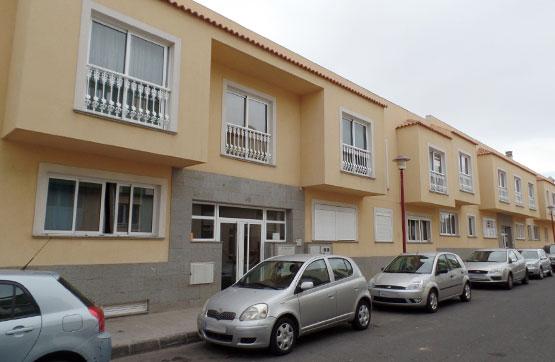 Piso en venta en Puerto del Rosario, Las Palmas, Calle Cervantes, 97.000 €, 2 habitaciones, 2 baños, 88 m2