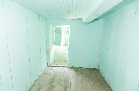 Casa en venta en Casa en Covelo, Pontevedra, 26.957 €, 1 baño, 244 m2