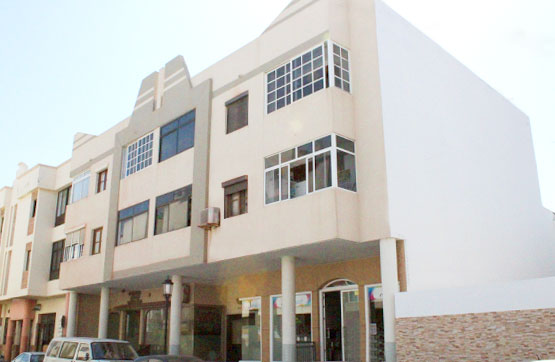 Piso en venta en La Oliva, Las Palmas, Calle Juan Sebastian Elcano, 126.500 €, 2 habitaciones, 1 baño, 65 m2
