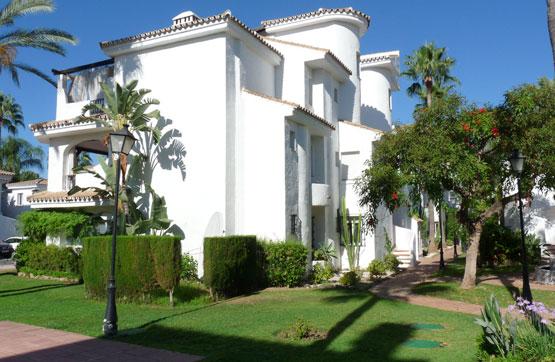 Piso en venta en Marbella, Málaga, Calle Conjunto Fase 3. los Naranjos de Marbella, 260.000 €, 2 habitaciones, 2 baños, 130 m2