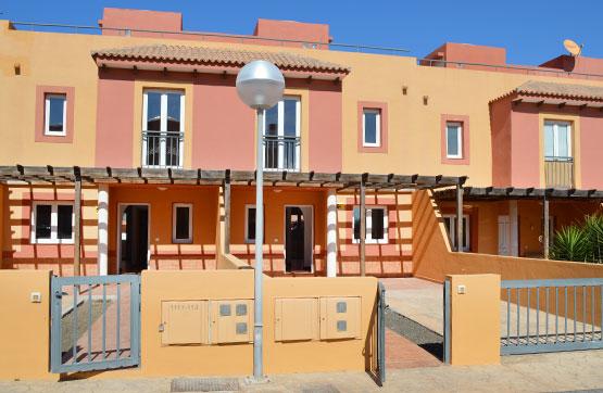 Casa en venta en La Oliva, Las Palmas, Urbanización Mirador de la Dunas, 168.300 €, 3 habitaciones, 3 baños, 109 m2