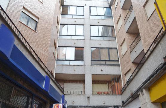 Piso en venta en La Bañeza, León, Pasaje Juan Carlos I, 84.800 €, 4 habitaciones, 2 baños, 161 m2