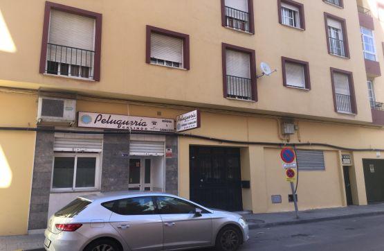 Piso en venta en El Rinconcillo, Algeciras, Cádiz, Calle Jacinto Benavente, 95.000 €, 2 habitaciones, 1 baño, 78 m2