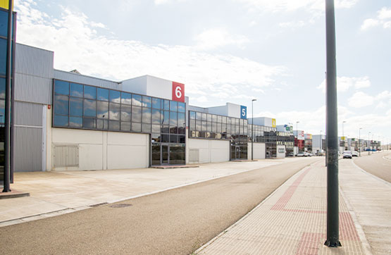 Industrial en venta en Zaragoza, Zaragoza, Calle Sisallo, 128.095 €, 577 m2