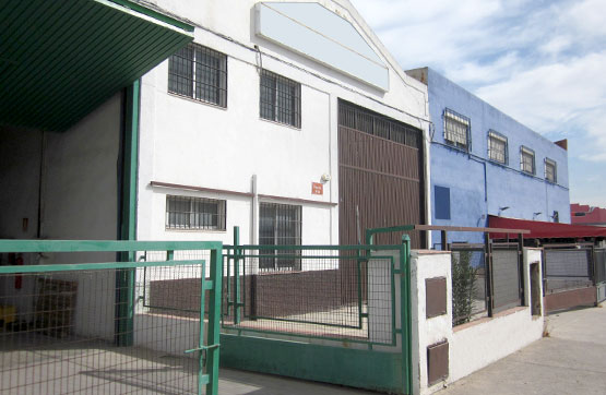 Industrial en venta en Jaén, Jaén, Calle Cazalilla, 235.800 €, 600 m2