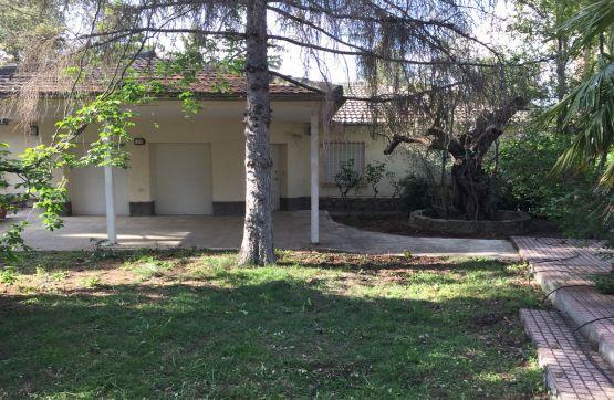 Casa en venta en Urbanización Pinar de Puenteviejo, Maello, Ávila, Calle Enebro, 145.000 €, 5 habitaciones, 3 baños, 164 m2