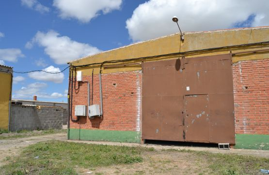 Industrial en venta en Medina del Campo, Valladolid, Carretera Olmedo, 402.000 €, 4915 m2