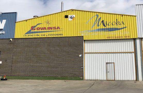 Industrial en venta en Valladolid, Valladolid, Calle Topacio P.i.san Cristobal, 264.000 €, 853 m2