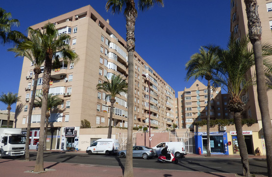 Local en venta en Almería, Almería, Avenida Cabo de Gata, 103.100 €, 135 m2
