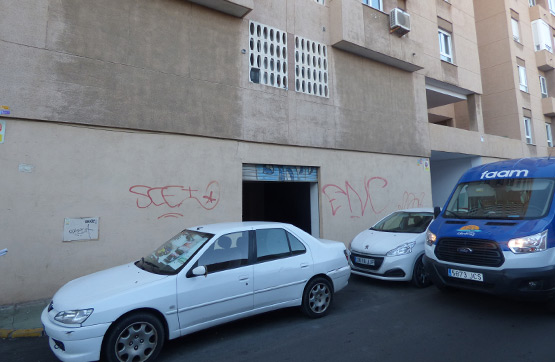 Local en venta en Almería, Almería, Avenida Cabo de Gata, 141.500 €, 214 m2