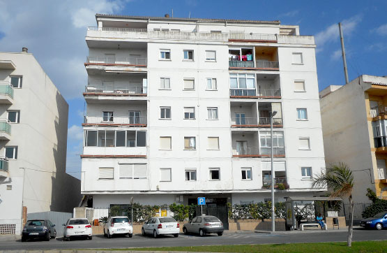 Piso en venta en Motril, Granada, Avenida Nuestra Señora Cabeza, 73.000 €, 2 habitaciones, 1 baño, 75 m2