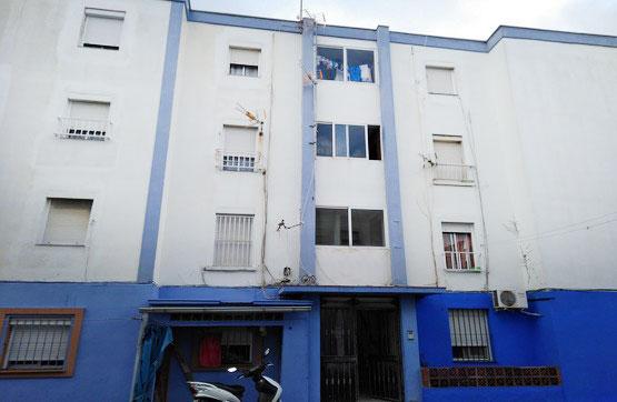 Piso en venta en La Línea de la Concepción, Cádiz, Calle Burgos, 46.000 €, 3 habitaciones, 1 baño, 61 m2