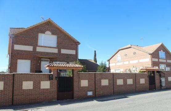 Casa en venta en Villanueva de la Torre, Guadalajara, Calle Pico del Aguila, 247.300 €, 4 habitaciones, 4 baños, 296 m2