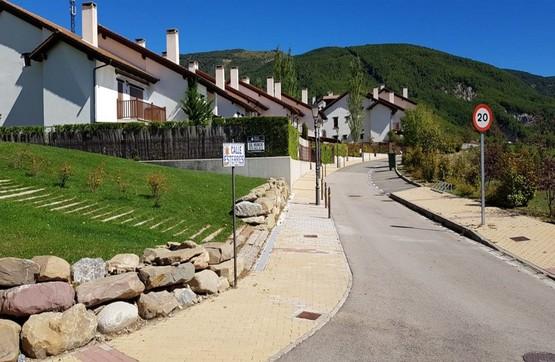 Casa en venta en Jaca, Huesca, Calle Esterres, 167.200 €, 4 habitaciones, 2 baños, 140 m2
