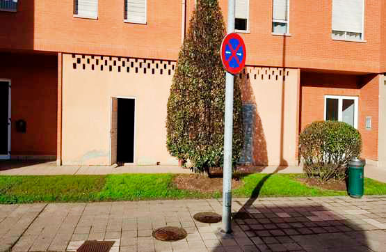 Local en venta en La Corredoria Y Ventanielles, Oviedo, Asturias, Plaza Fuente la Braña, 65.000 €, 151 m2