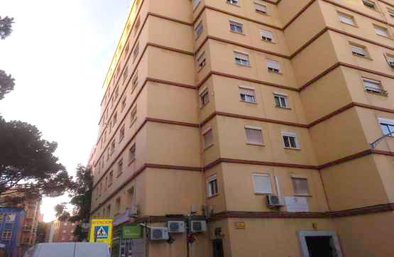 Piso en venta en Algeciras, Cádiz, Calle Infante Don Pedro, 85.000 €, 3 habitaciones, 1 baño, 79 m2