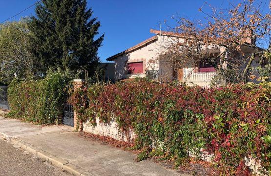 Casa en venta en Villaturiel, Villaturiel, León, Calle Real, 159.900 €, 4 habitaciones, 2 baños, 240 m2