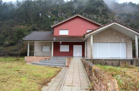 Casa en venta en Ribera de Arriba, Asturias, Carretera Bueño, 350.000 €, 4 habitaciones, 3 baños, 466 m2