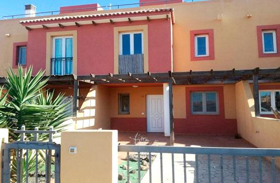 Casa en venta en La Oliva, Las Palmas, Urbanización Mirador de la Dunas, 162.800 €, 3 habitaciones, 3 baños, 109 m2