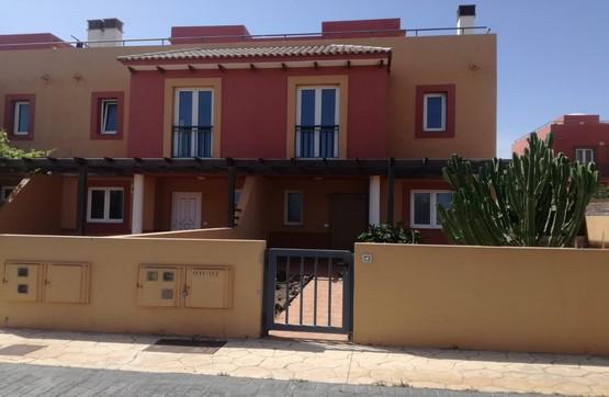 Casa en venta en La Oliva, Las Palmas, Urbanización Mirador de la Dunas, 178.900 €, 3 habitaciones, 3 baños, 111 m2