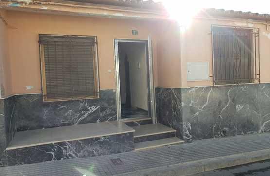 Casa en venta en Las Vegas, Lucena, Córdoba, Calle Teniente Aguilar Cañete, 47.200 €, 3 habitaciones, 1 baño, 68 m2