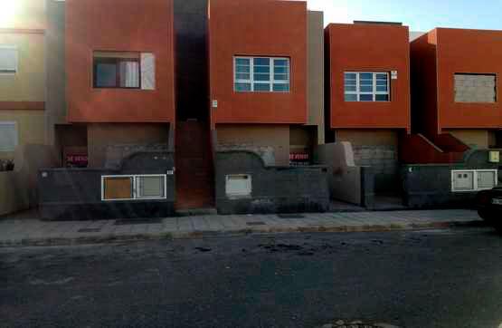 Piso en venta en El Matorral, Puerto del Rosario, Las Palmas, Calle la Cuartilla, 62.000 €, 2 habitaciones, 1 baño, 58 m2