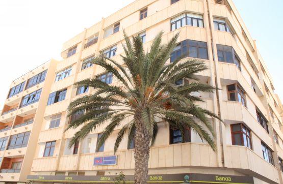 Piso en venta en Puerto del Rosario, Las Palmas, Calle Virgen del Rosario, 181.700 €, 4 habitaciones, 1 baño, 155 m2
