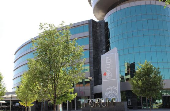 Local en venta en Granada, Granada, Calle Jose Luis Perez Pujadas, 910.300 €, 840 m2