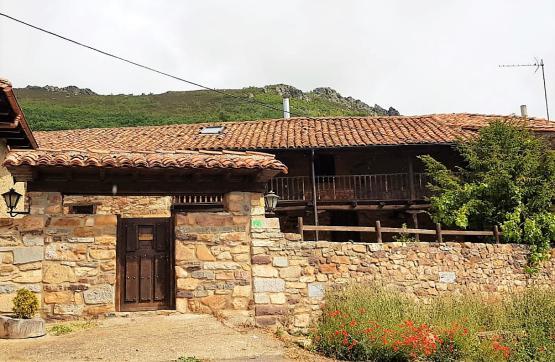 Casa en venta en Poblado del Pantano del Porma, Boñar, León, Calle Cimera, 265.000 €, 3 habitaciones, 3 baños, 440 m2