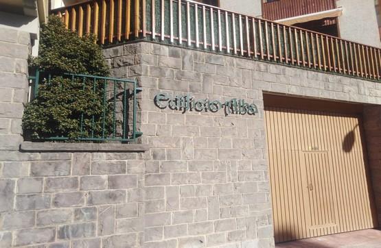 Local en venta en Jaca, Huesca, Calle Membrilleras, 127.000 €, 146 m2