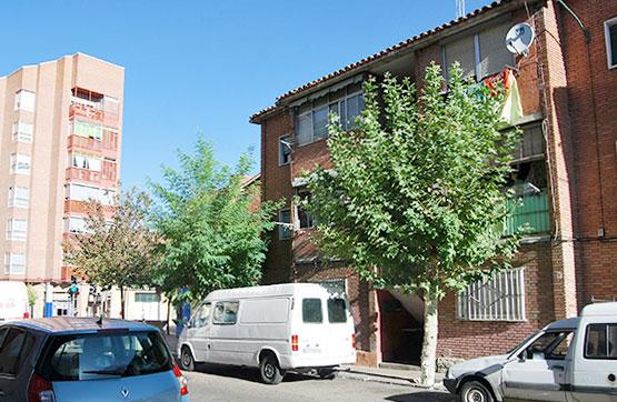 Piso en venta en Las Delicias, Valladolid, Valladolid, Calle Sargento Provisional, 29.300 €, 2 habitaciones, 1 baño, 42 m2