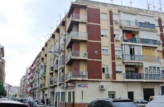 Piso en venta en Huelva, Huelva, Calle Escultora Miss Whitney, 74.000 €, 3 habitaciones, 1 baño, 94 m2