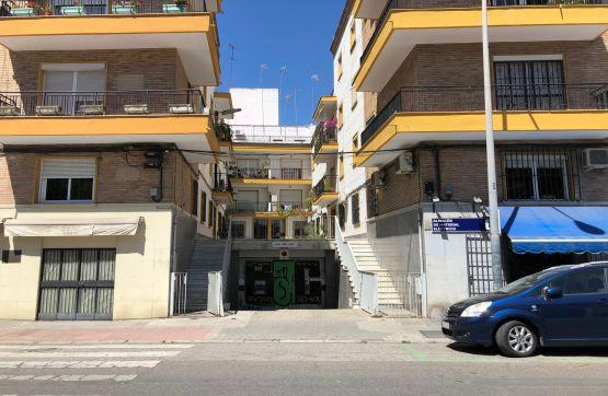 Local en venta en Los Remedios, Sevilla, Sevilla, Calle Juan Sebastian Elcano, 127.700 €, 63 m2