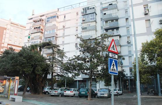 Piso en venta en Distrito San Pablo-santa Justa, Sevilla, Sevilla, Avenida Kansas City, 125.200 €, 3 habitaciones, 1 baño, 75 m2