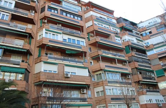 Piso en venta en Hortaleza, Madrid, Madrid, Calle Oña, 334.600 €, 1 baño, 92 m2