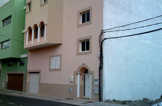 Piso en venta en Sardina, Santa Lucía de Tirajana, Las Palmas, Calle San Isidro, 248.100 €, 3 habitaciones, 3 baños, 430 m2